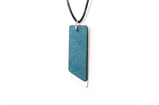 Anne Sancey, collier cuir bleu 10mm