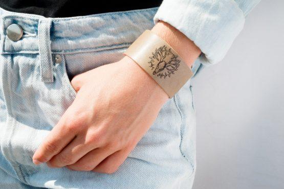 Anne Sancey - bracelet tatoué motif Crâne de chevreuil