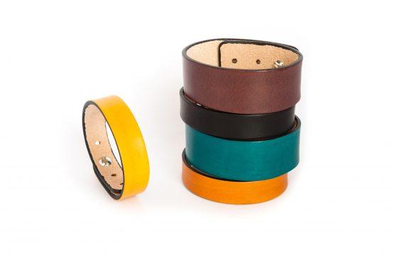 Anne Sancey, bracelets cuir uni