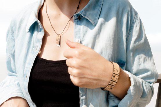 Anne Sancey - bracelet et collier argent et cuir tatoué lignes