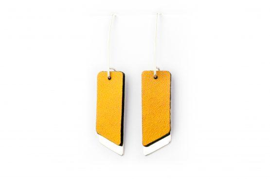 Anne Sancey, boucles d'oreilles cuir jaune 10mm